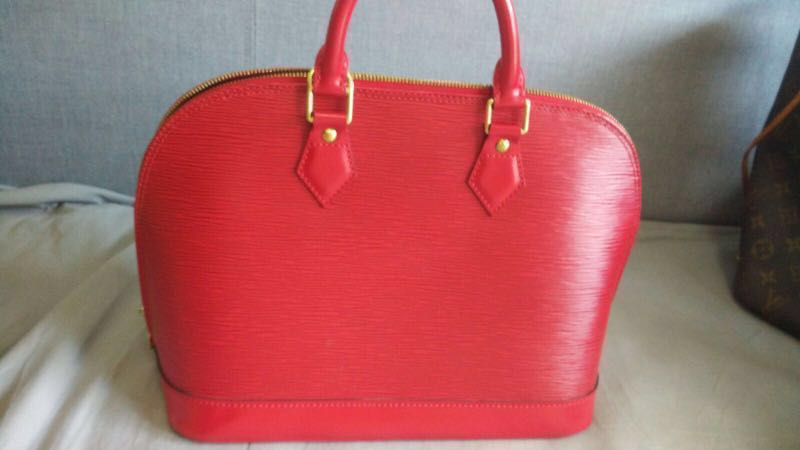 Vintage Louis Vuitton Epi Leather Alma Red, Luxury, Bags   Wallets,  Handbags on Carousell 538fe5bb29