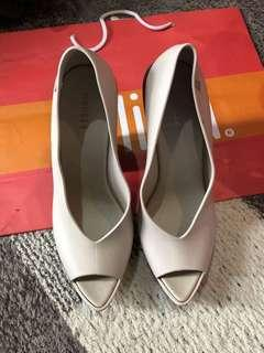 6 USA Melissa Cream Formal Heels Wedge