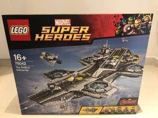 LEGO 76042 The Shield Helicarrier Marvels Super Heroes - Retired set