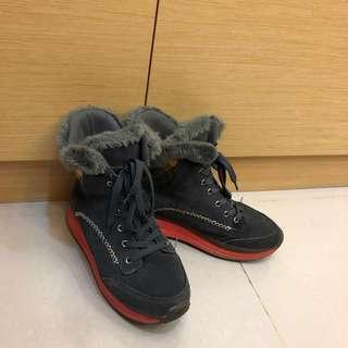 高筒氣墊鞋