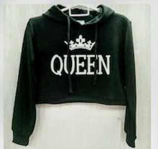 """Black """"QUEEN"""" crop sweatshirt"""