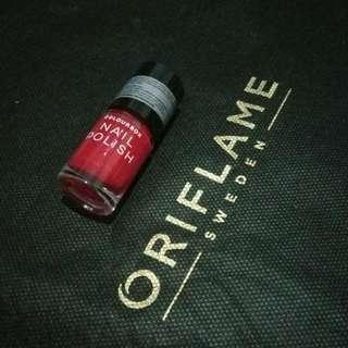 Colourbox nail polish - Bright Red