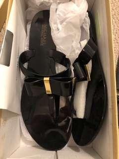 BNIB Michael kors bow sandals size 9