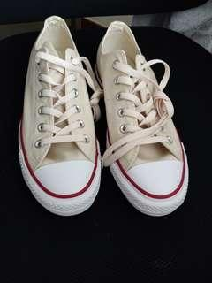 CONVERSE Chuck Taylor (Ivory)