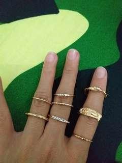 Gold Rings (8 pcs)