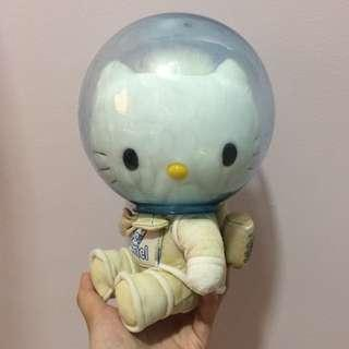 MCDO HELLO KITTY PINK ASTRONAUT