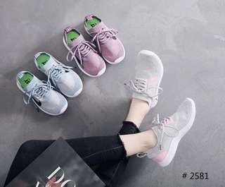 Sneaker wanita nike