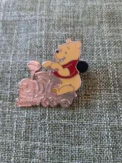 Pooh-disney pin迪士尼襟章