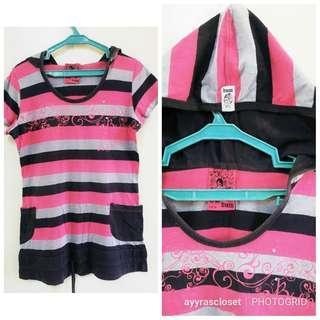 M size BUM Shirt w/ hood
