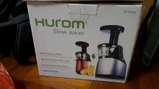 Hurom Slow Juicer (HE Series)慢磨原汁機(9成新)
