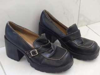 Vintage women's black shoes