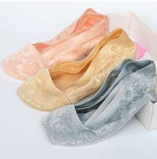 Women Invisible Low Cut Socks with Anti-slip