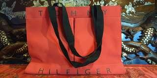 Auth tommy hilfiger tote bag  with two front pockets