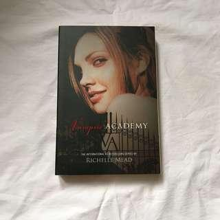 Vampire Academy (VA #1) by Richelle Mead