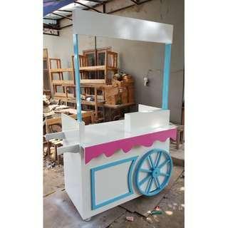 Super Cute Stand Booth Model Gerobak Es Warna Cerah Menarik Pembeli