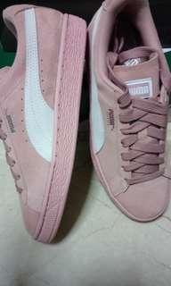 PUMA suede classic Women's Peach - Beige white shoes. Authentic. Price Inclusive house delivery