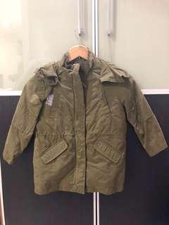 Pre loved H&M boy dark green hoodie jacket 4-6 Y
