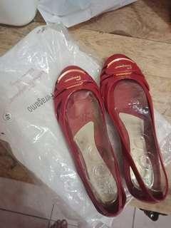 Sepatu jelly kekiniam