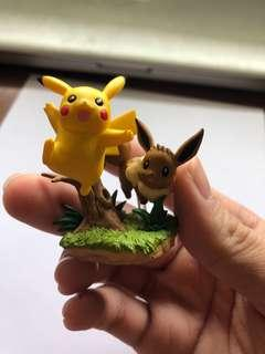 Pokemon Pikachu & Eevee collection box figure