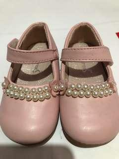Pink Shoes with Pearl