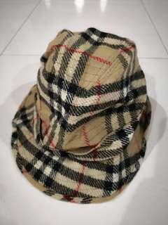 82c28d77754 Burberry hat to let go