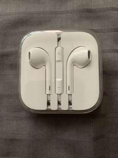 iPhone ear pods