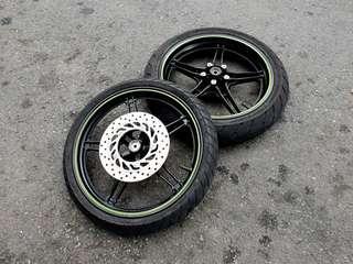 Sniper Matt Green Rim + Tyre
