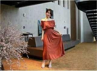 😊Off shoulder Smocked waist dress