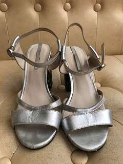 Zara 銀色高踭鞋