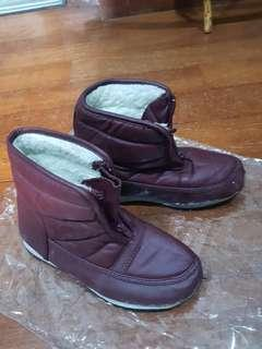 Winter Boots with Front Zipper
