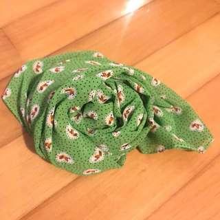 (New) 綠色復古pattern 絲巾/ green scarf