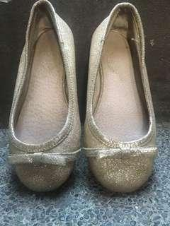 Glittering doll shoes