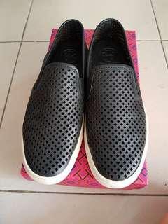 Tory Burch Jesse Perforated Sneaker 100% original