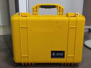 Canary yellow PELICAN 1500 CASE