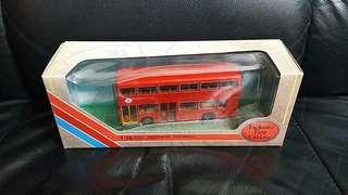 EFE28802 LEYLAND TITAN LONDON TRANSPORT 巴士模型