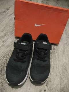 Nike Star Runner (rubbershoes)