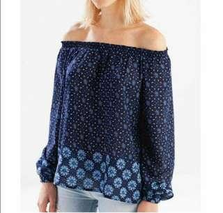 Stradivarius Off-shoulder top