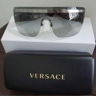 [Like New] Versace Sunglasses Trendy Full Set