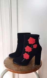Rose embroidery heeled boots