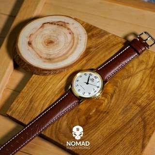 🚚 Genuine Distressed Leather Strap in Brown with White Stitching(Available in 20 and 22mm)