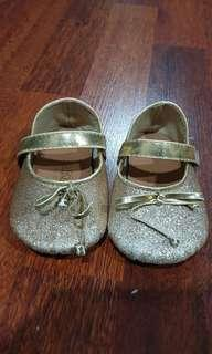 Gymboree sparkling gold party baby shoes