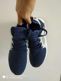 Adidas NMD US 7.5, EUR 40