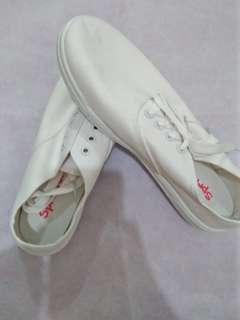 White rubber shoes rush sale