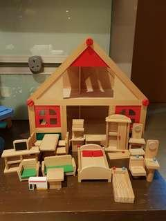 Play Doll house + furnitures