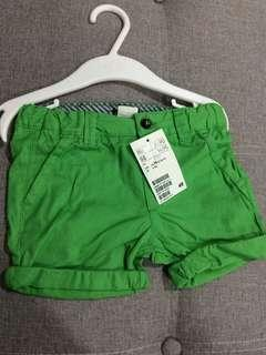 H&M green short pants eur74 6-9M