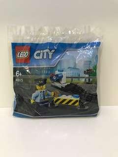 LEGO City 40175 Policeman with Cookie and Stinger