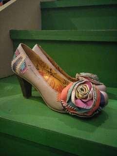 MACANNA 復古全皮革高跟鞋
