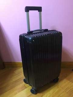 黑色時尚手提行李喼 Black stylish luggage case