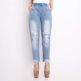 Ripped boyfriend jeans