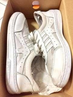 #PrelovedWithLove Women's Sneakers White (Size 39)